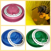 Поилки и кормушки для пчел
